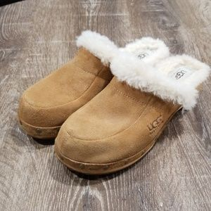 UGG tan suede fur lined heeled wooden clogs 8